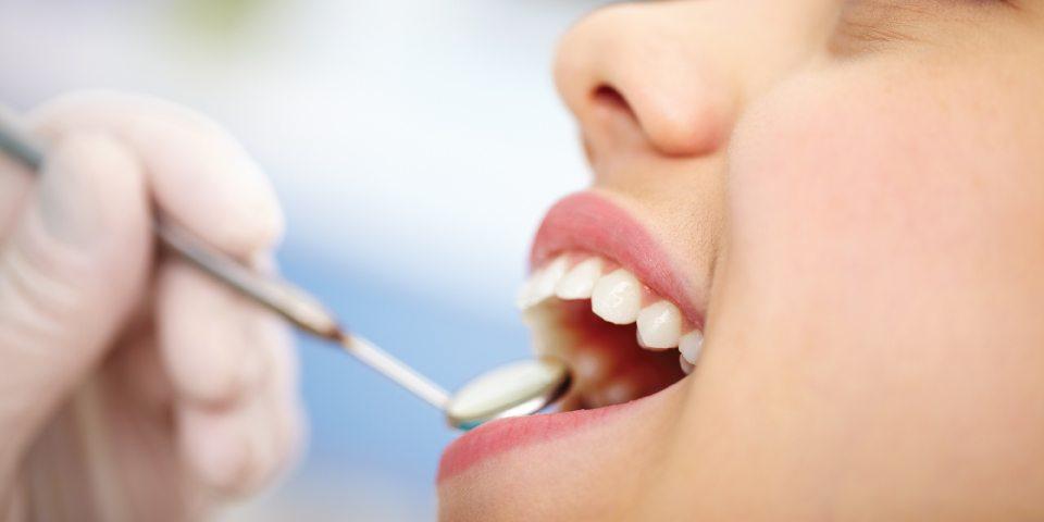 servicii dentare