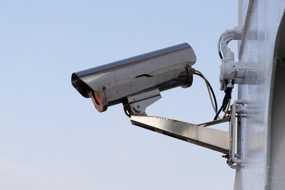sistem-de-supraveghere-pentru-casa